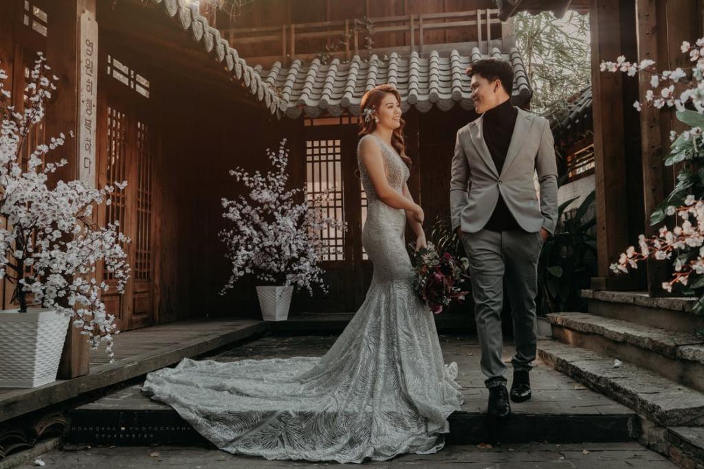 couple korean themed house wedding